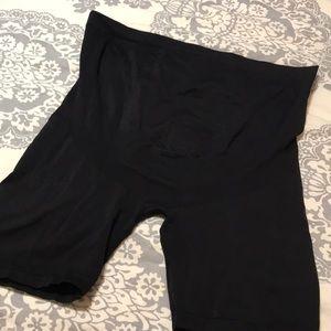 Maternity workout shorts, black, SIZE XXL